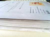 画像:ゲラ刷り2冊を半分にカットして積み上げてみた