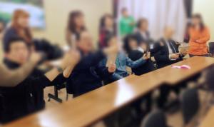 聴覚障害者向けiPad講習の様子
