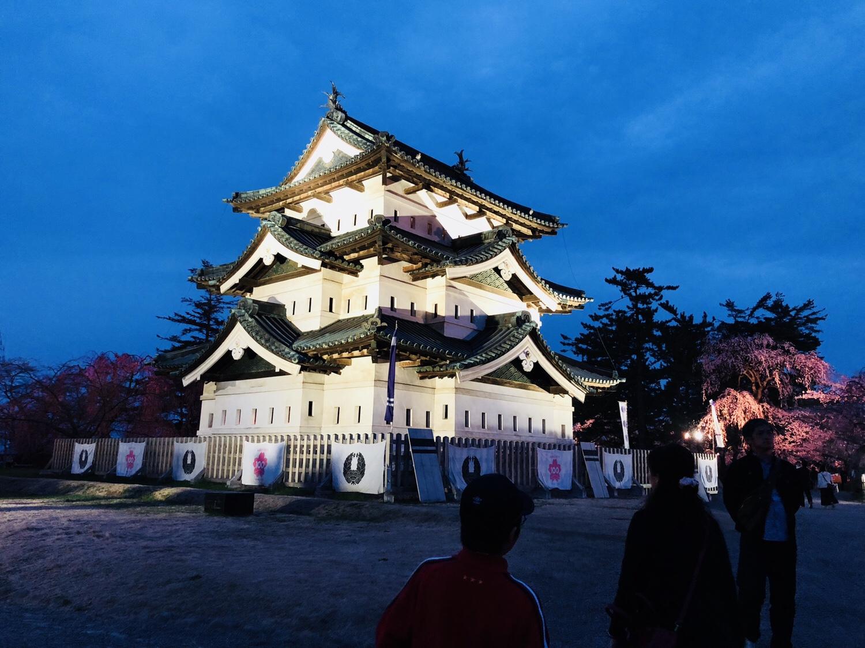 夕方の弘前城