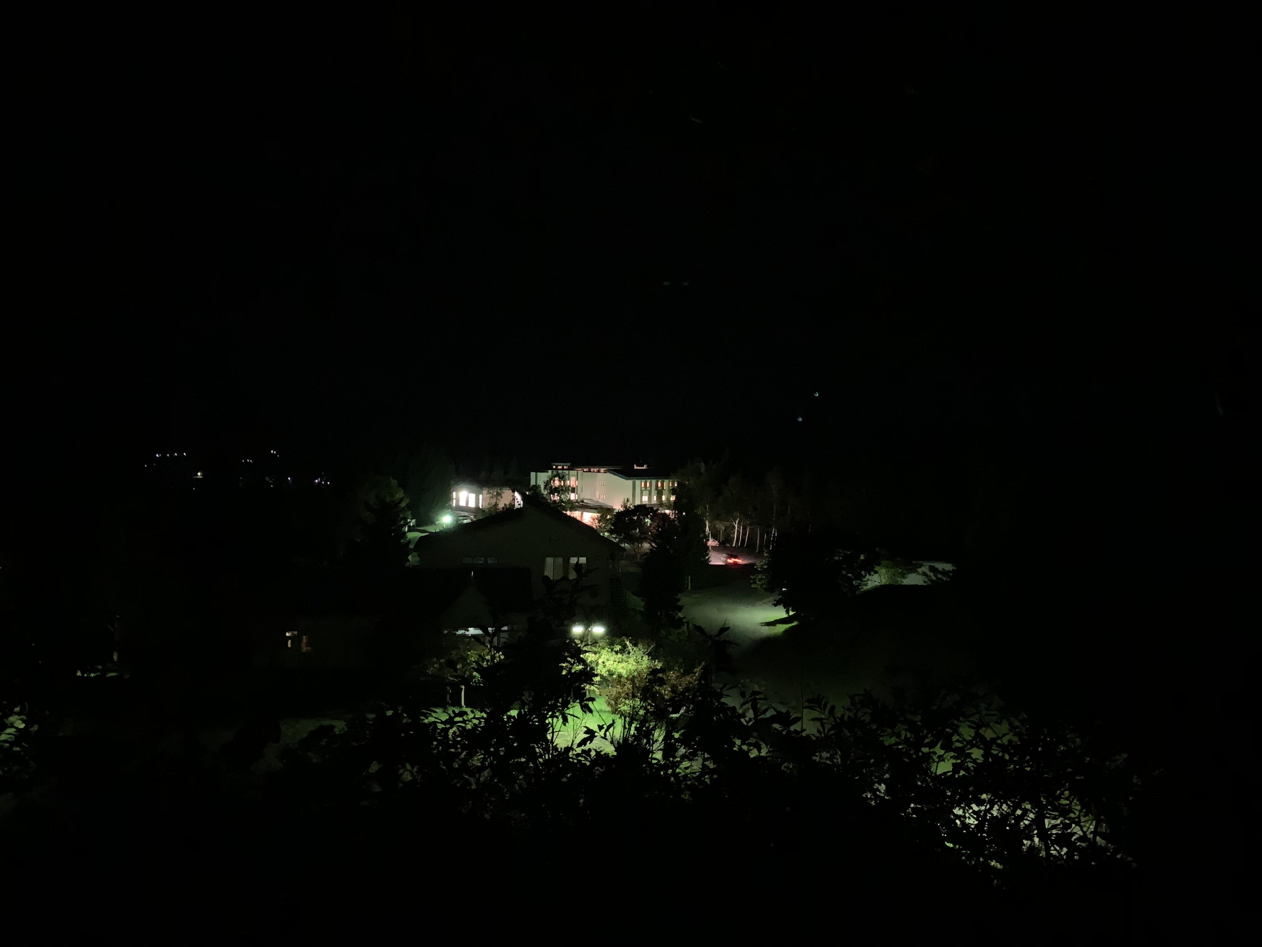 天文台からホテルを撮影した写真
